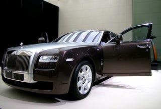 Illustration for article titled Rolls Royce Ghost Is The Poor Rich Man's Roller