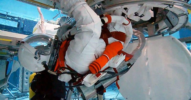 Illustration for article titled La NASA prueba trajes de alta movilidad para misiones en asteroides