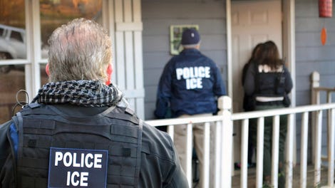 32d3a683 ICE Agents Arrest a Domestic Violence Victim in Court Where She Was Seeking  Protective Order