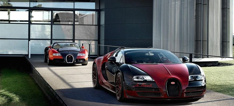 Illustration for article titled The Final Bugatti Veyron Is The Inverse Of The First Bugatti Veyron