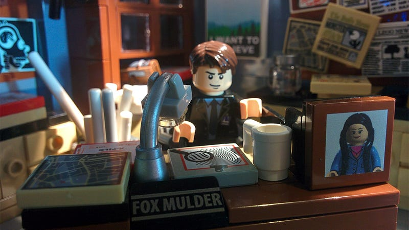 Illustration for article titled I want to believe Lego will make this X-Files set real (Update: Nope)