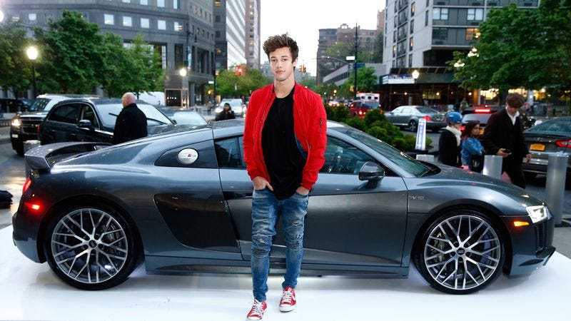 Cameron Dallas, or at least someone who looks like a Cameron Dallas (Photo: Getty Images, Brian Ach)