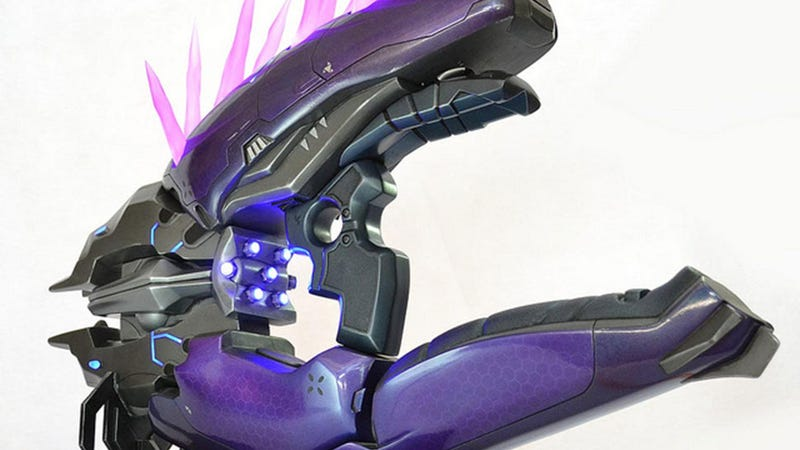 Illustration for article titled Fancy Halo Gun Dragged Out Of Game, Into Real World