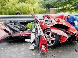Illustration for article titled Ferrari F355 Becomes A Spider, Driver Manages Not To Lose His Head