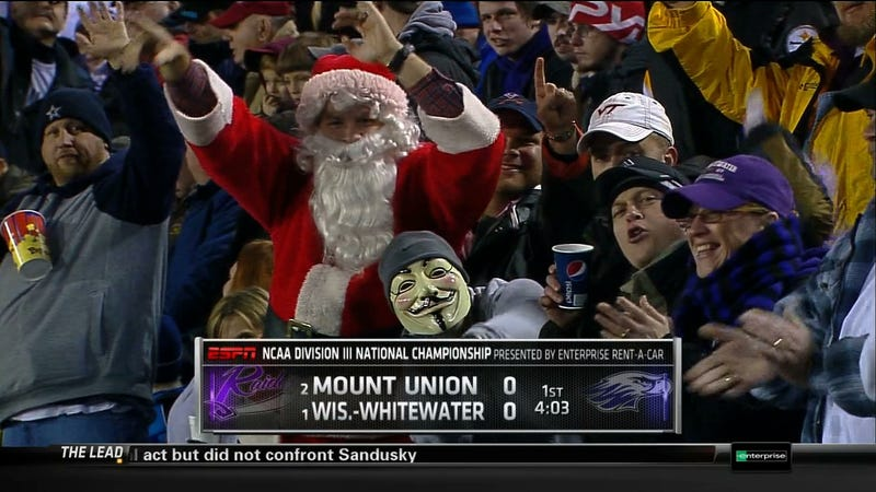 Illustration for article titled Santa Claus, Guy Fawkes And A Cowboys Fan Walk Into A Bar