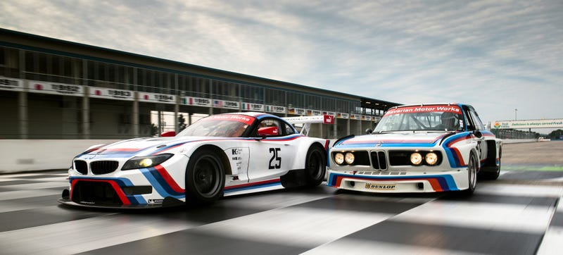 Illustration for article titled BMW Dressed Up The Team RLL Z4M Like The Batmobile For Sebring