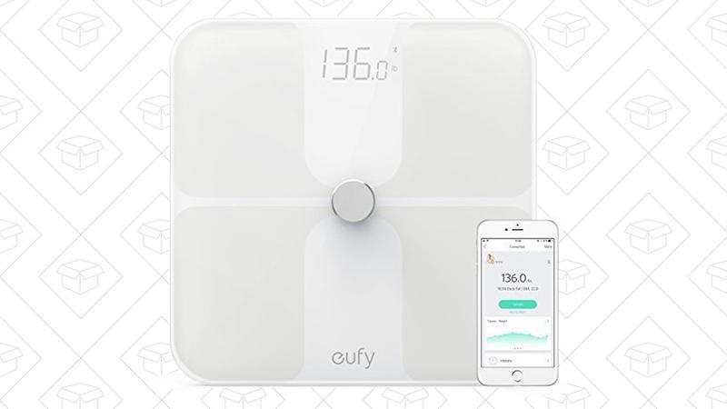 Báscula Eufy BodySense | $33 | Amazon