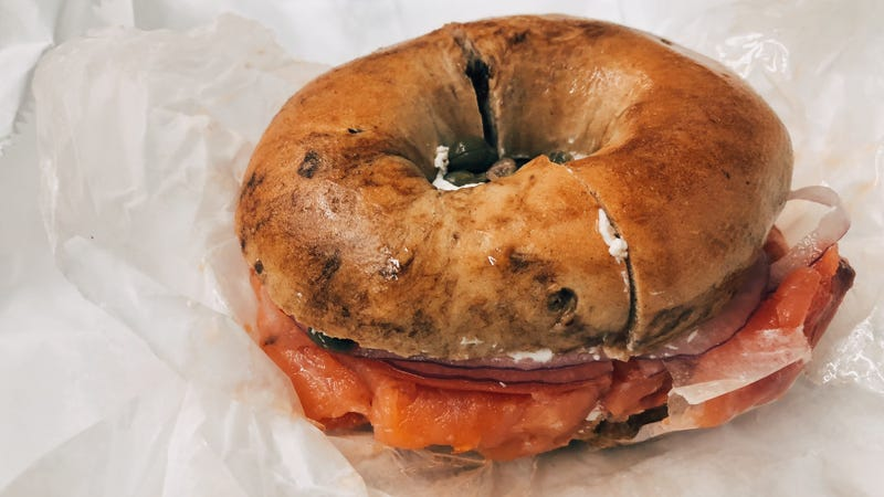 Illustration for article titled Jezebel Reviews: Cynthia Nixon's Highly Controversial Cinnamon Raisin Bagel With Lox and Capers