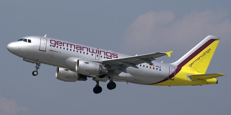 Illustration for article titled Se estrella en Francia un avión con 150 personas que partió de Barcelona