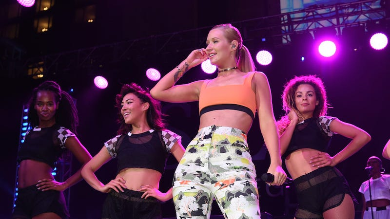 Illustration for article titled Iggy Azalea Falls Off Stage at Pre-VMAs Show, Recovers Like a Champ