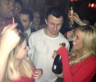 Illustration for article titled Here Are A Couple Pictures Of Johnny Manziel Having A Nice Time At A Nightclub After His Cotton Bowl Win [UPDATED]