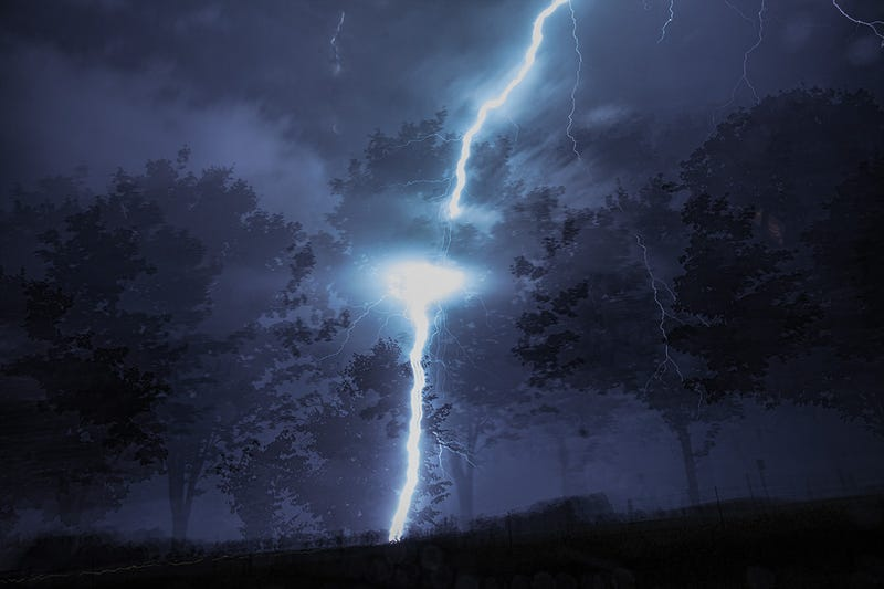 Illustration for article titled This lightning photo is so amazing that I thought it was fake
