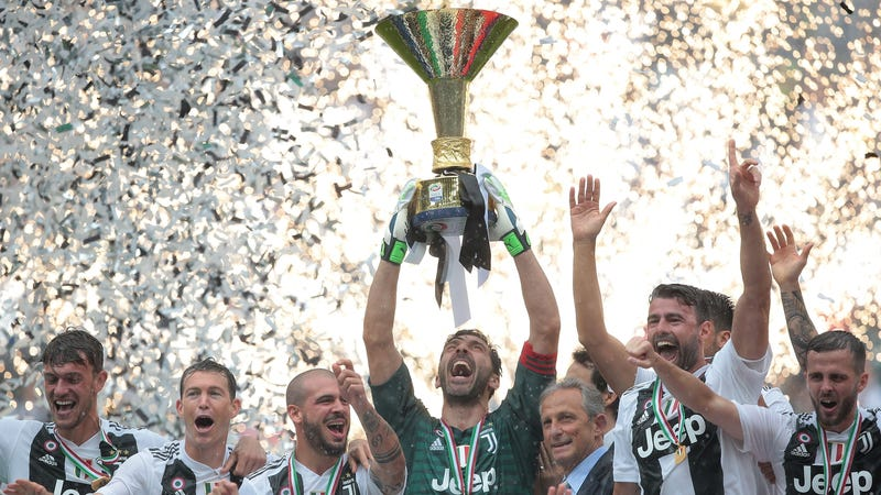 Illustration for article titled Gianluigi Buffon Ends 17-Year Juventus Career With Win, Serie A Title