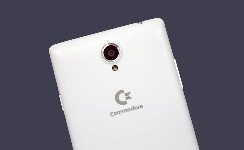 Illustration for article titled Hay un nuevo smartphone Commodore en camino, pero no es lo que piensas
