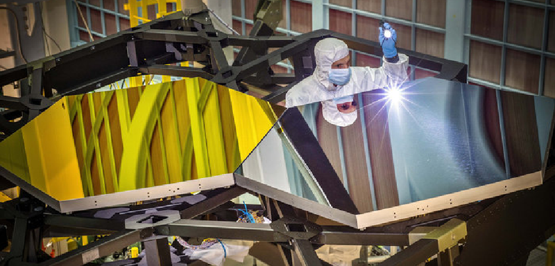 Illustration for article titled The James Webb Space Telescope Looks Like Gold Plated Space Origami