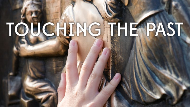 Illustration for article titled Philadelphia museum allows blind visitors to touch ancient artifacts