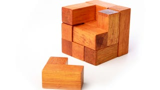 Illustration for article titled If Ladies Just Had More Self-Confidence, They'd Be Able To Read A Goddamn Map