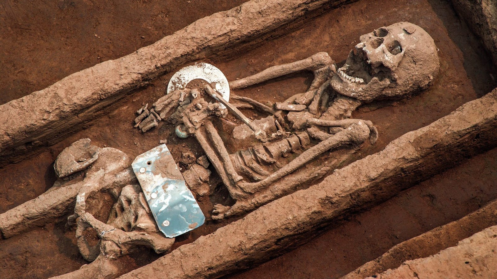 Archaeologists Unearth 'Grave of Giants' in China