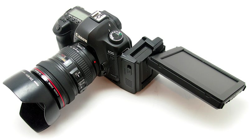 Illustration for article titled Add a Massive 5.6-Inch LCD Display To Your DSLR