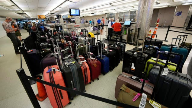 The DOT May Create a Better World, One in Which Airlines Pay Us Back for Late Baggage and Busted WiFi