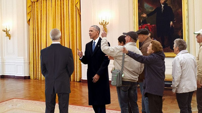 Illustration for article titled A Public Nuisance: Barack Obama Was Kicked Off Of A White House Tour For Shouting, 'I Already Know That,' After Everything The Tour Guide Said