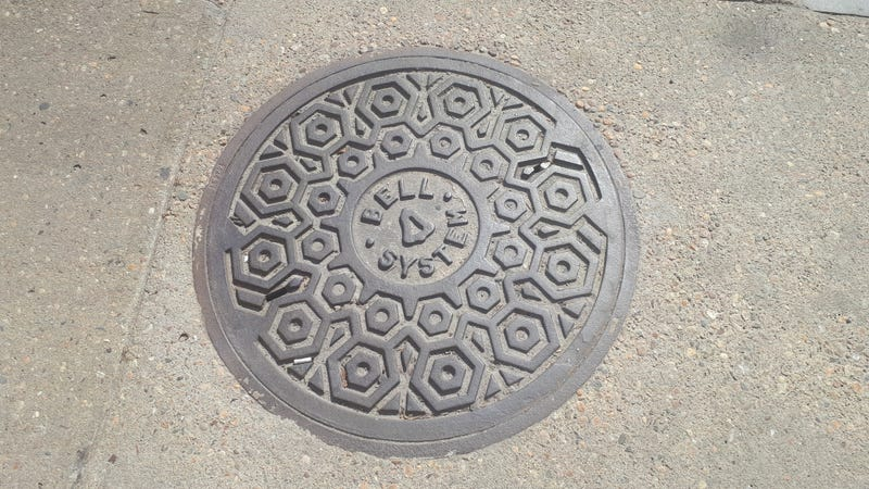 Illustration for article titled DOTS: A really old manhole cover