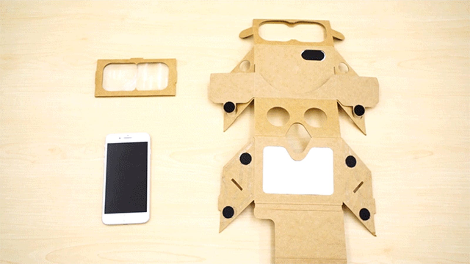 Make Your Own Bootleg HoloLens With the Cardboard Holokit