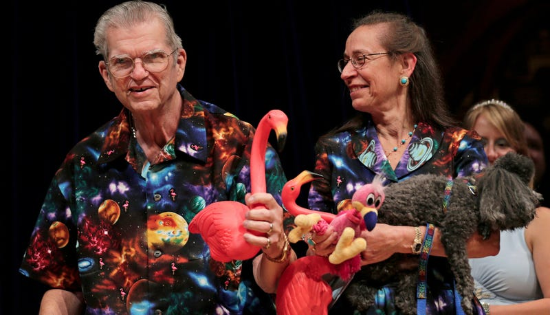 Illustration for article titled An American Hero, the Man Who Designed the Plastic Lawn Flamingo, Dies