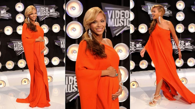Illustration for article titled Beyonce Announces She's Pregnant On VMAs Red Carpet