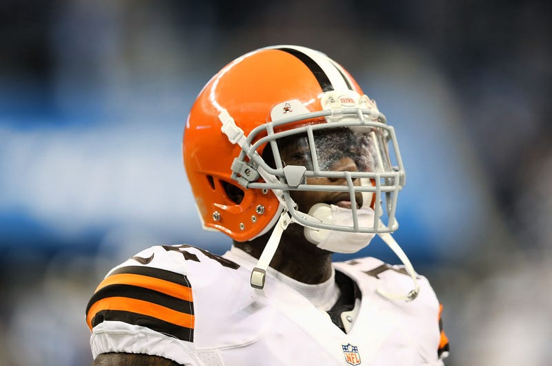"Illustration for article titled Josh Gordon Officially Suspended By NFL For ""At Least"" A Season"