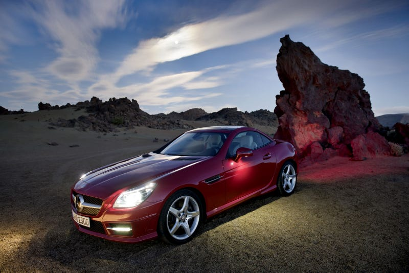 "Illustration for article titled 2012 Mercedes-Benz SLK Has ""MAGIC SKY CONTROL"""