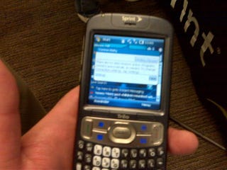 Illustration for article titled Palm Treo 800w Caught Running Windows Mobile