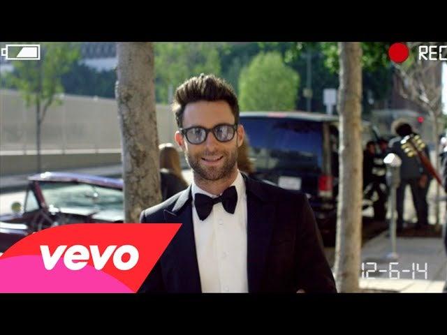 Egomaniacs Maroon 5 Crash A Bunch Of Real Weddings In