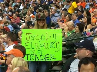 Illustration for article titled Dumb Red Sox Fan With Misspelled Sign Is Just Too Perfect