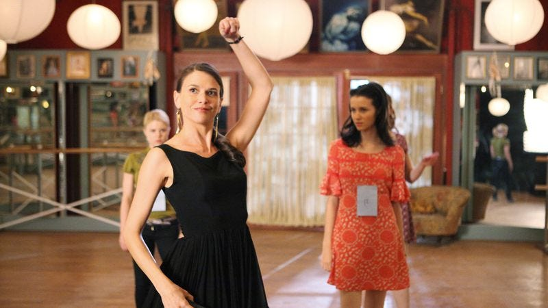 Illustration for article titled Bunheads was the first Gilmore Girls revival, with added dance numbers