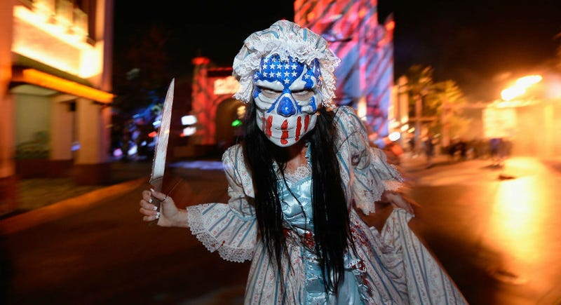 A Horror Nights cast member Purging. All Images: Universal, unless noted