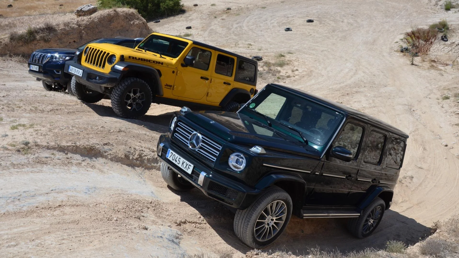Watch A Jeep Wrangler Lose An Off-Road Comparison To A Mercedes G-Class And Toyota Land Cruiser