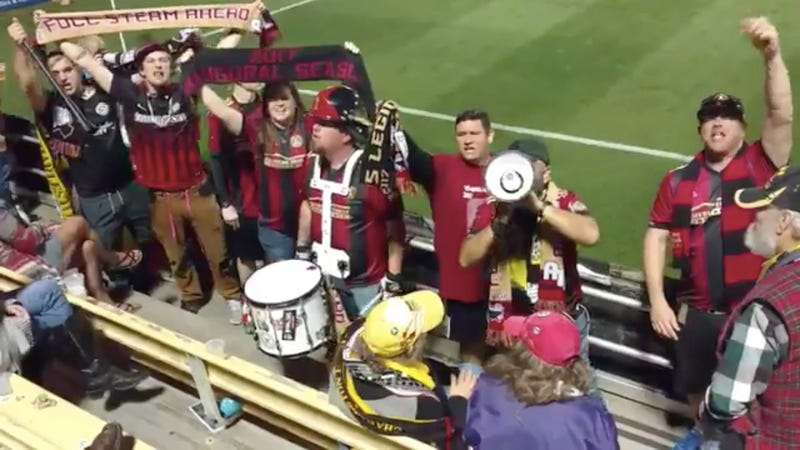 "Illustration for article titled This Horrendous Atlanta United Fan Chant Is The Nadir Of American ""Football"" Cosplay"