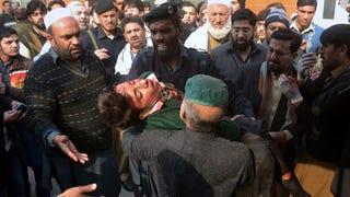 Illustration for article titled Iskolai vérengzés Pakisztánban, 84 gyereket öltek meg a tálibok