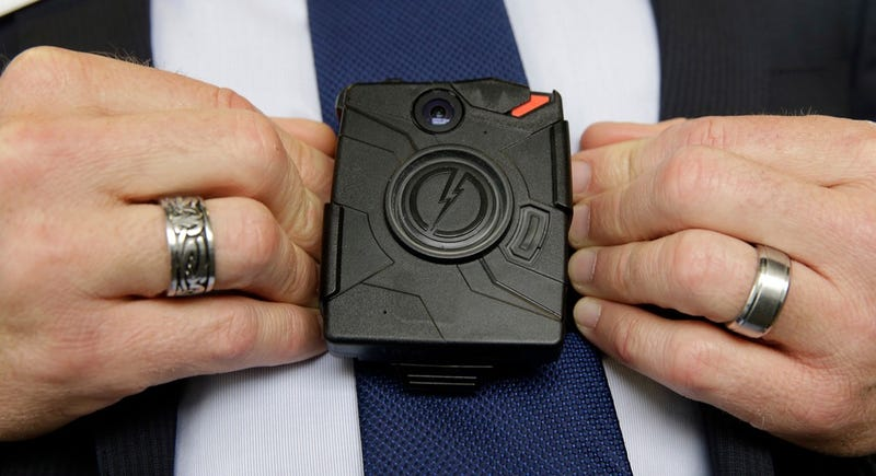 Illustration for article titled Axon CEO Says Face Recognition Isn't Accurate Enough for Body Cams Yet