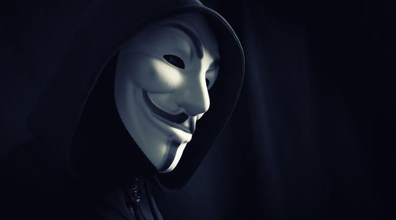 Illustration for article titled Anonymous comienza a eliminar la propaganda a favor de ISIS en la dark web