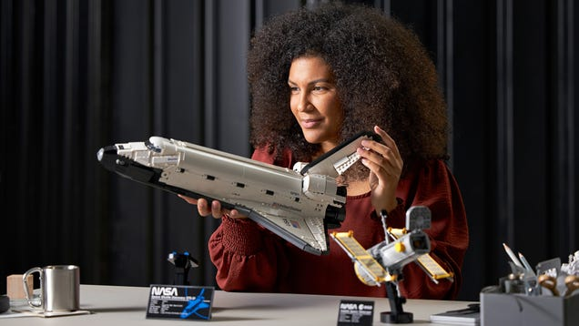 Lego s New Space Shuttle Discovery With Hubble Telescope Will Send Your Inner NASA Nerd Into Orbit