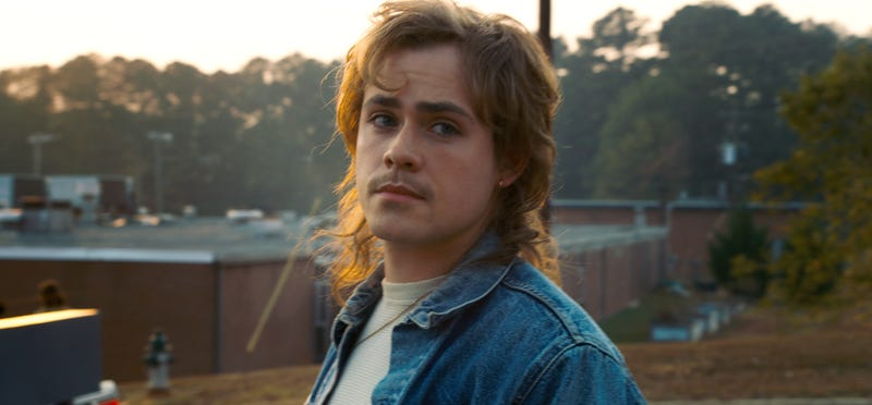 Dacre Montgomery as the mysterious Billy (Photo: Netflix)