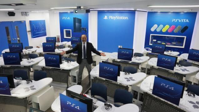 University S Playstation Classroom Has Dualshock Desks