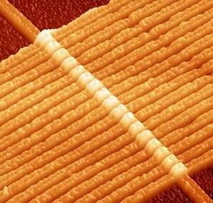 Illustration for article titled Brain-Like Memristors Could Revolutionize Memory Chips at the Atomic Level