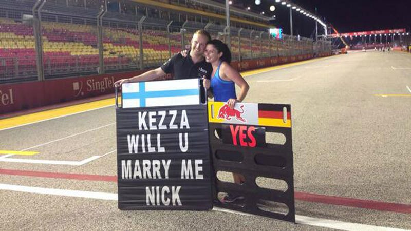 Illustration for article titled This F1 Marriage Proposal Is Absolutely Adorable