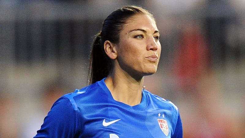 Illustration for article titled Hope Solo's Domestic Abuse Hearing: Nephew Says He Pulled a Gun on Her