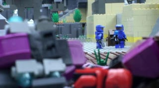 Illustration for article titled Finally, The Glorious 27-Minute Stop-Motion LEGO Halo Film You've Been Waiting For