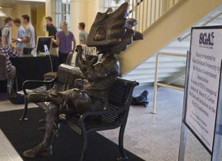 Illustration for article titled This Awful Statue May End Up Getting The TCU Student-Body President Impeached