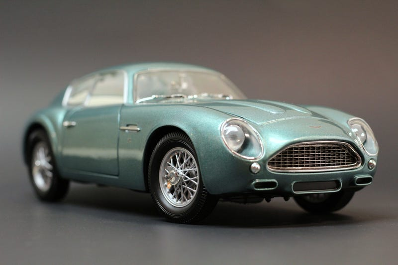 Illustration for article titled 1:18 scale Aston Martin DB4 Zagato by Whitebox